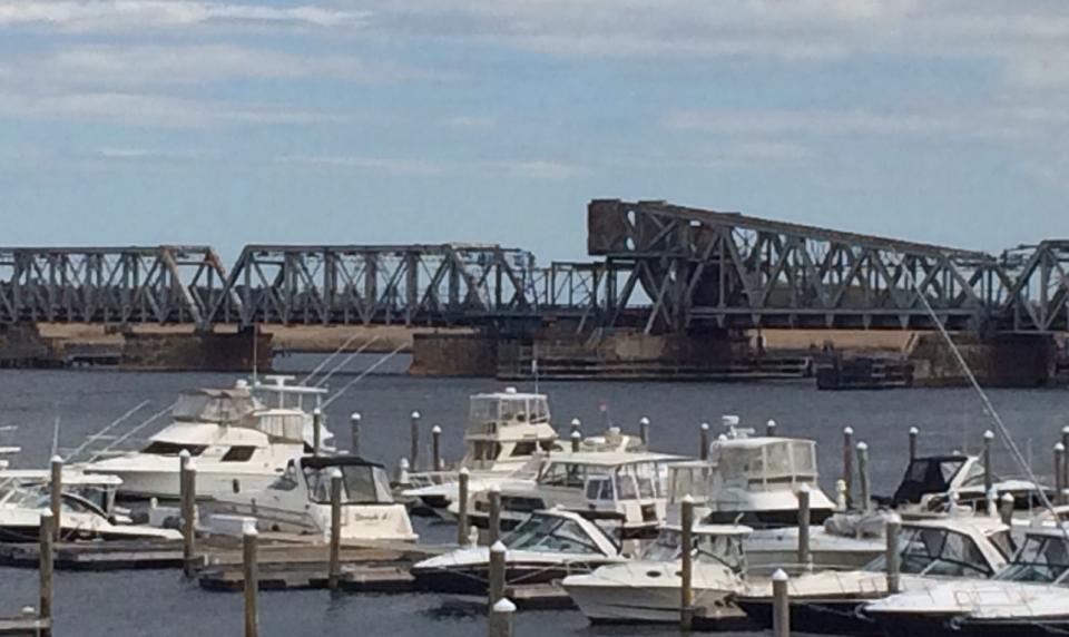 Between the Bridges Marina Bridges | Long Island Sound Marinas | Snag-A-Slip