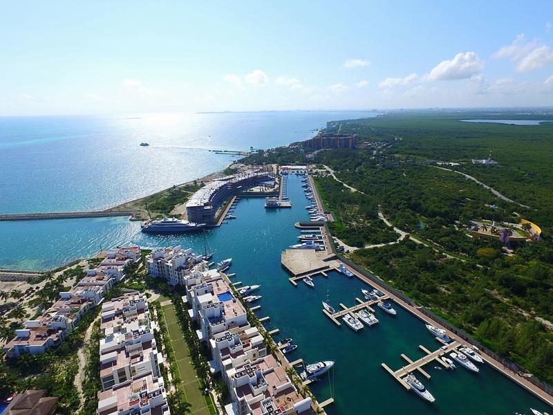 V & V Marina Aerial | Mexico Cruising Guide | Snag-A-Slip