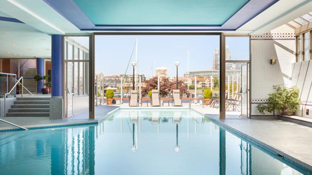 Coast Victoria Hotel & Marina swimming pool