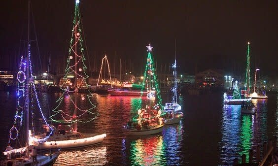 Eastport Yacht Club Parade | Lighted Boat Parades | Snag-A-Slip
