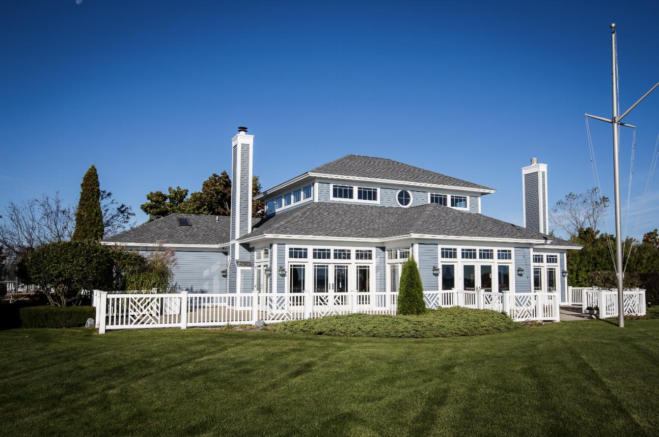 PHYC clubhouse | Prairie Harbor Yacht Club | Snag-A-Slip
