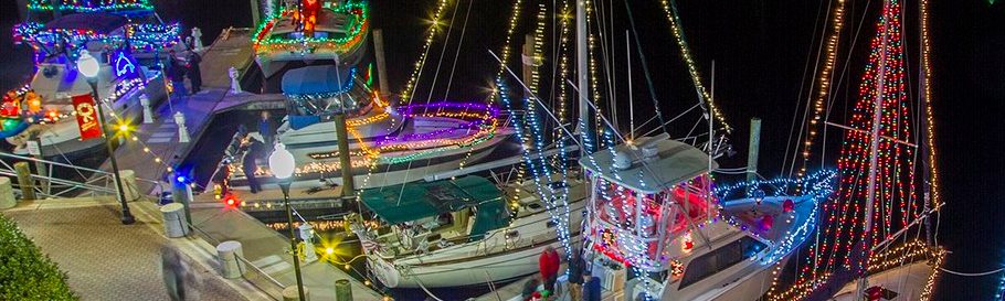 Our Top 7 Holiday Boat Parades