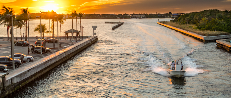 Photo by Richard Sagredo on Unsplash | Boating Courses | Snag-A-Slip