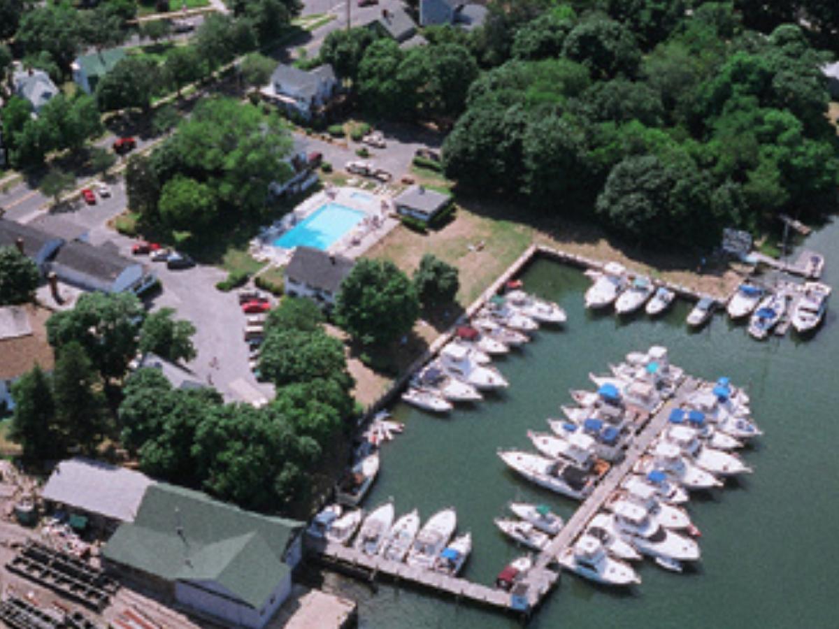 Snag-A-Slip Blog - Destination Long Island - Townsend Manor Inn Marina