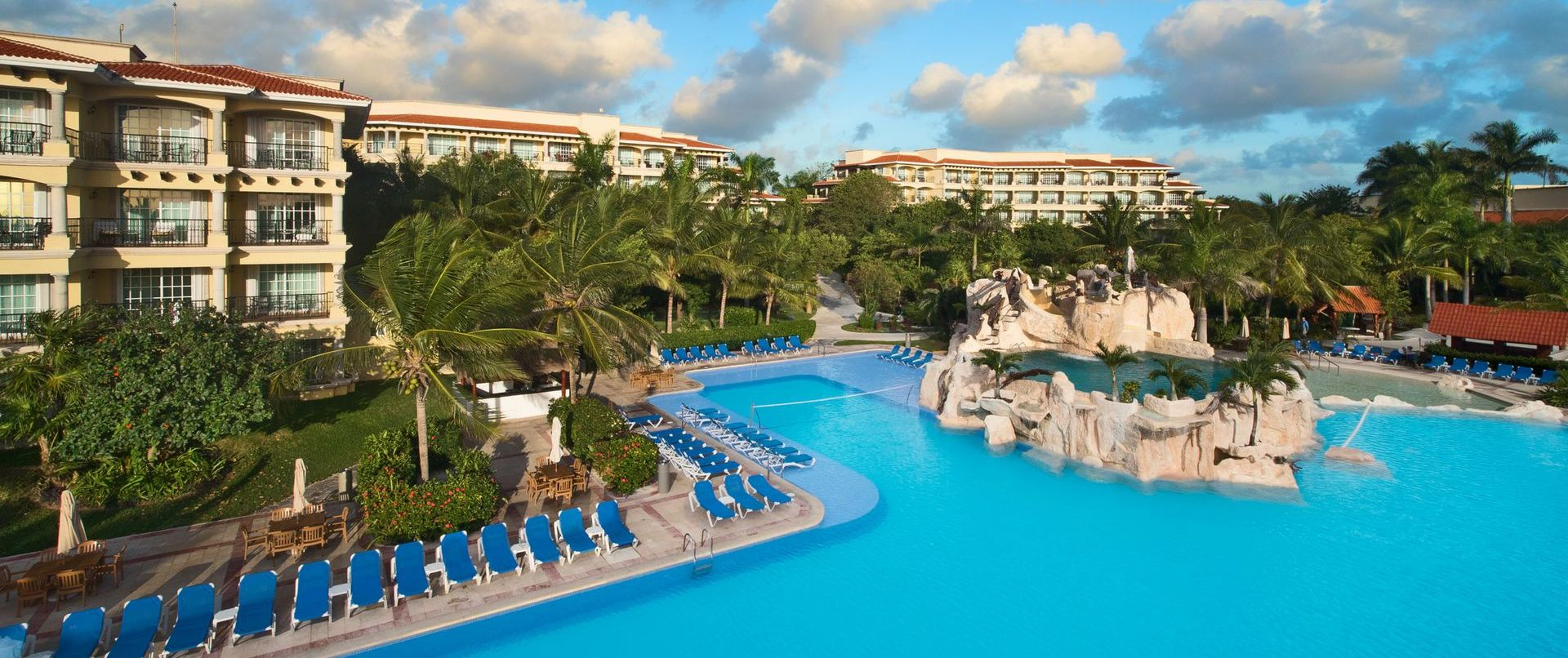 Hotel Marina El Cid Pool | Mexico Cruising Guide | Snag-A-Slip
