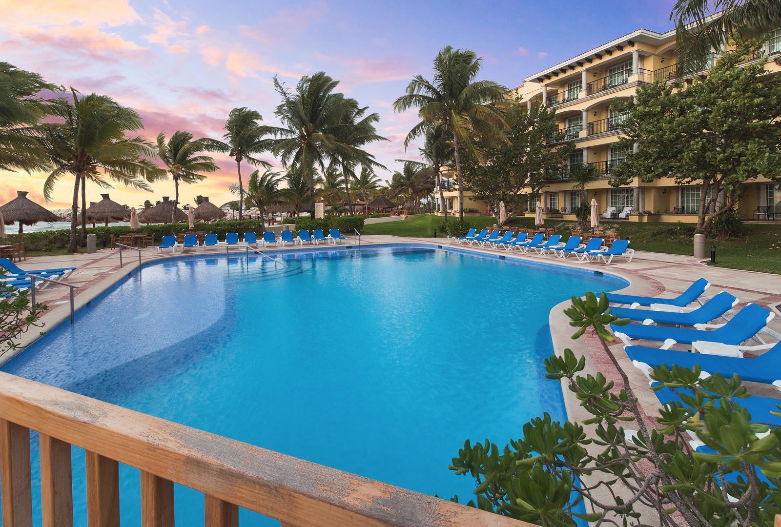 Hotel Marina El Cid swimming pool
