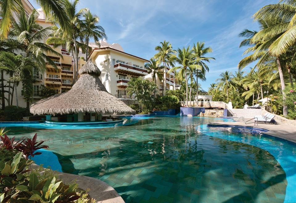 Swim Up Bar | Marina Puerto de la Navidad | Snag-A-Slip